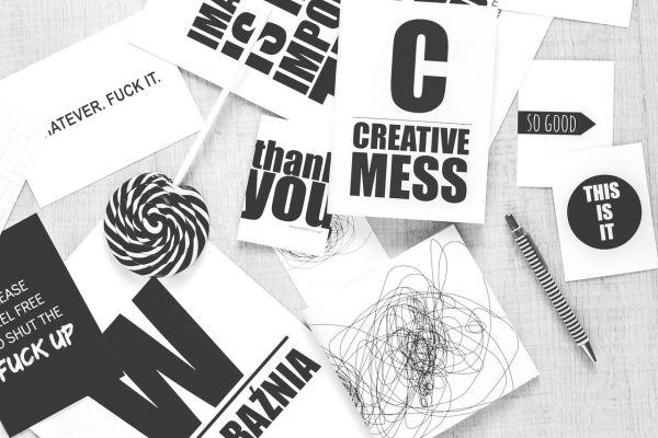 Designer und Parametrix für randlose Klebeschriften